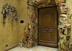 Выбираем прочную дверь для загородного дома